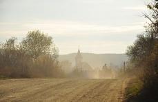 1.1415045825.traktor-im-morgengrauen