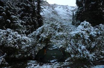 1.1442759857.schnee-am-morgen-beim-wandern
