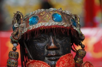 1.1461865680.figur-in-chin-tempel