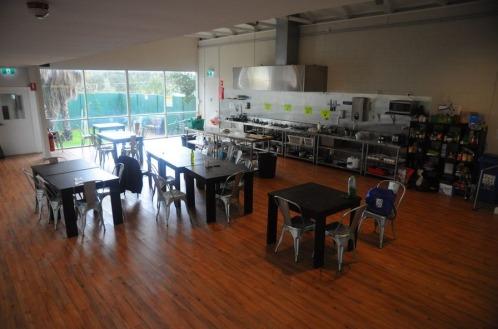 1.1476458199.hostel-kitchen